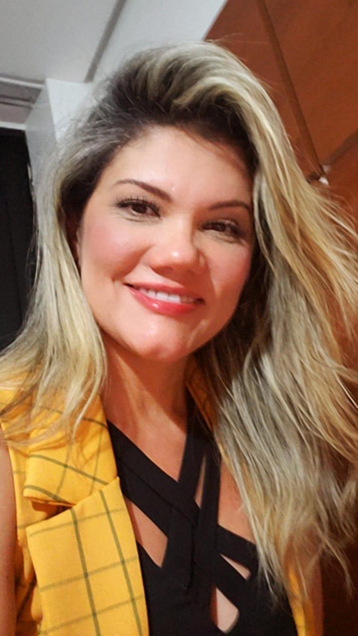 Silvia dos Santos Sampaio